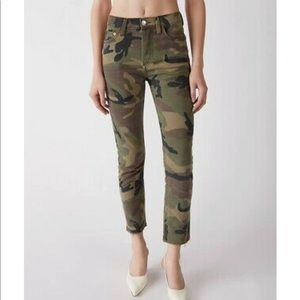 Re/Done Originals High Rise Stovepipe Camo Jeans
